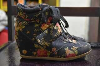 FLORAL WEDGE BOOTS