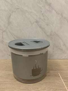 Air-tight plastic container