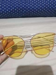 Kaca mata   sun glasses yellow