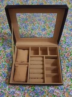 Watch and jewelry organizer display box