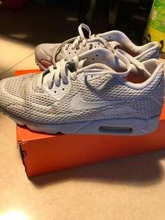 古著灰色Nike Air Max