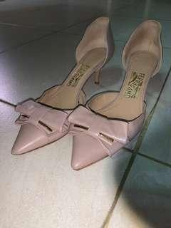 Ferragamo Rietta Bow d'Orsay pink/nude kitten heel 7.5