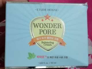 Etude house wonder pore moisturiser