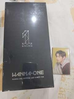 Wanna One LED handy fan with photocard set
