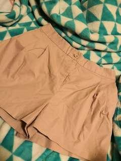 🚚 lalu pink shorts