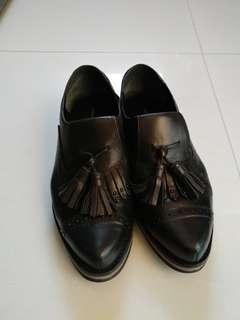 黑色牛皮鞋