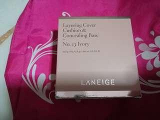 Laneige cushion and concealing base