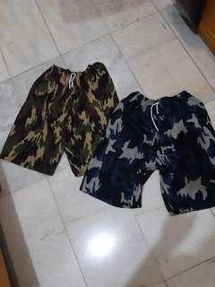 Celana pantai army