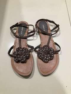 Sepatu flat Madden Girl