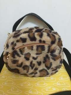🚚 豹紋小包