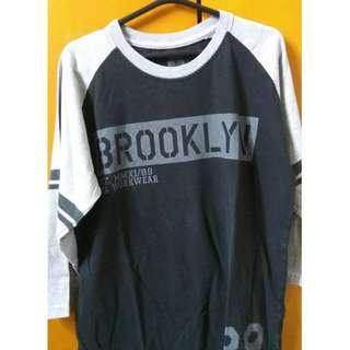 Baju Brooklyn Super-T Bekas