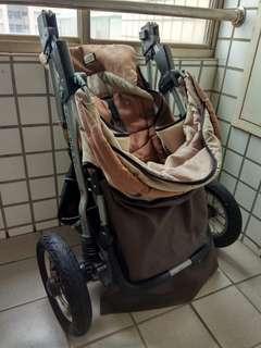 Three wheels joghing stroller