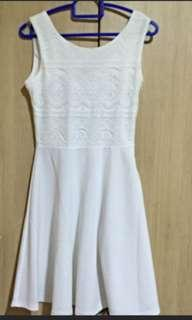 🚚 Brand new lace white Dress