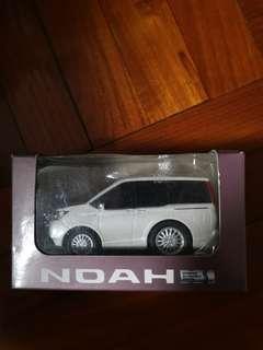 Toyota Noah 回力車