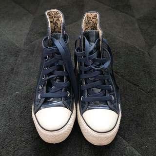 🚚 iiJin 藍色漆皮厚底休閒鞋