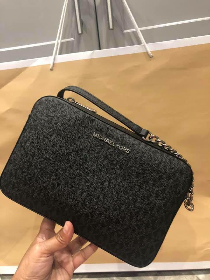 f5b584e229f25e Authentic Michael Kors Messenger bag, Luxury, Bags & Wallets on ...
