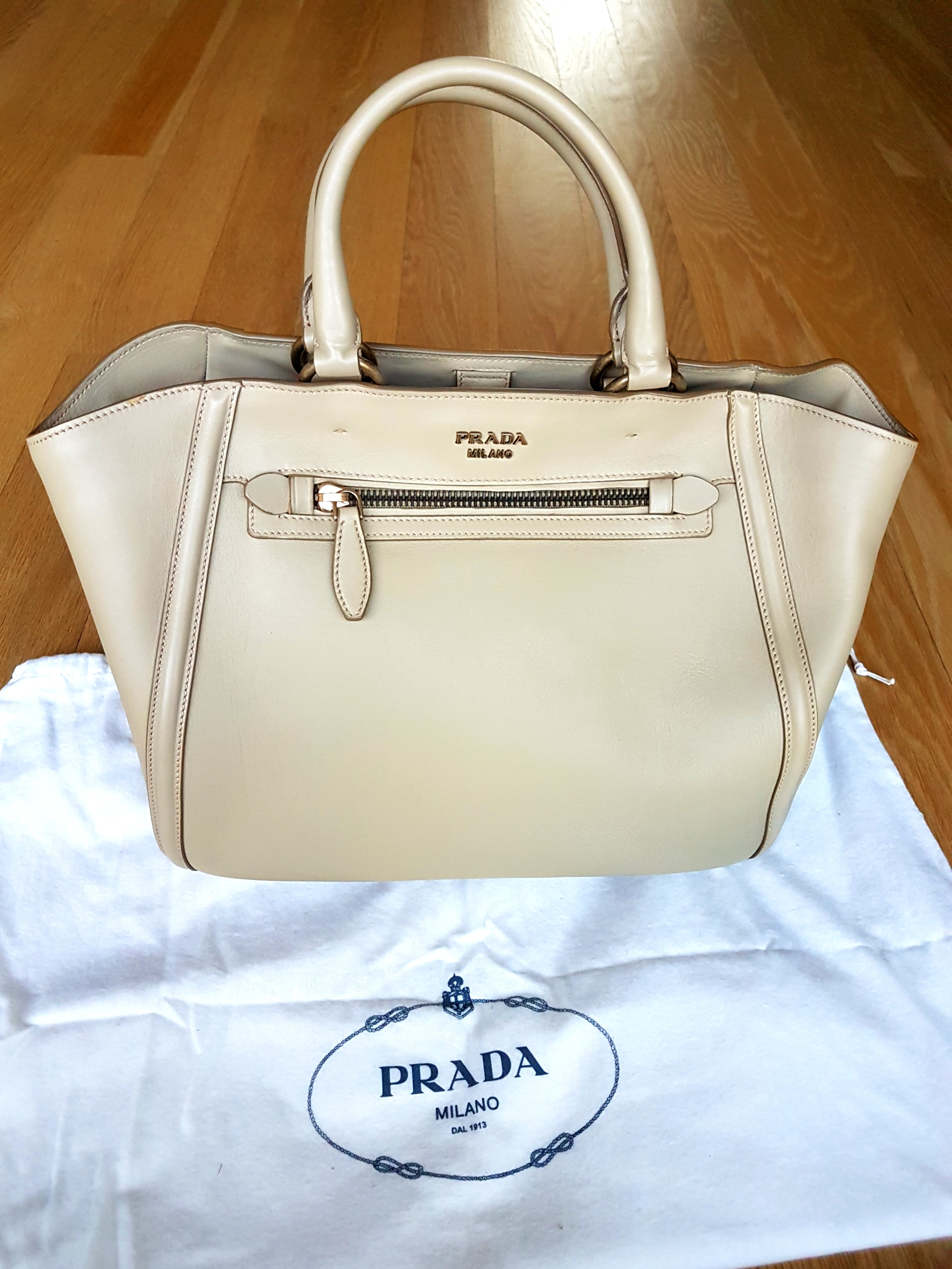 Price reduced! Authentic Prada bag 6c3ddb0b54592