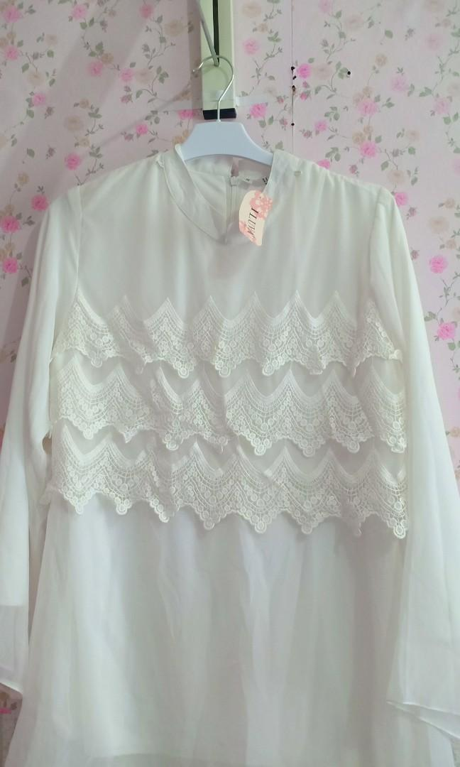 Blouse putih new with tag