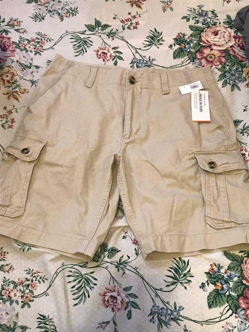 BNWT Men's Beige Cargo Shorts - Size 31/32