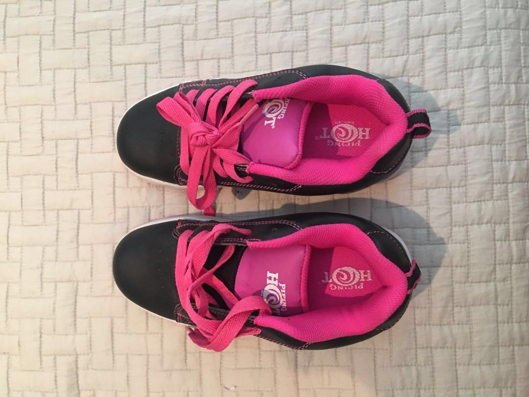 heely's pink roller shoes