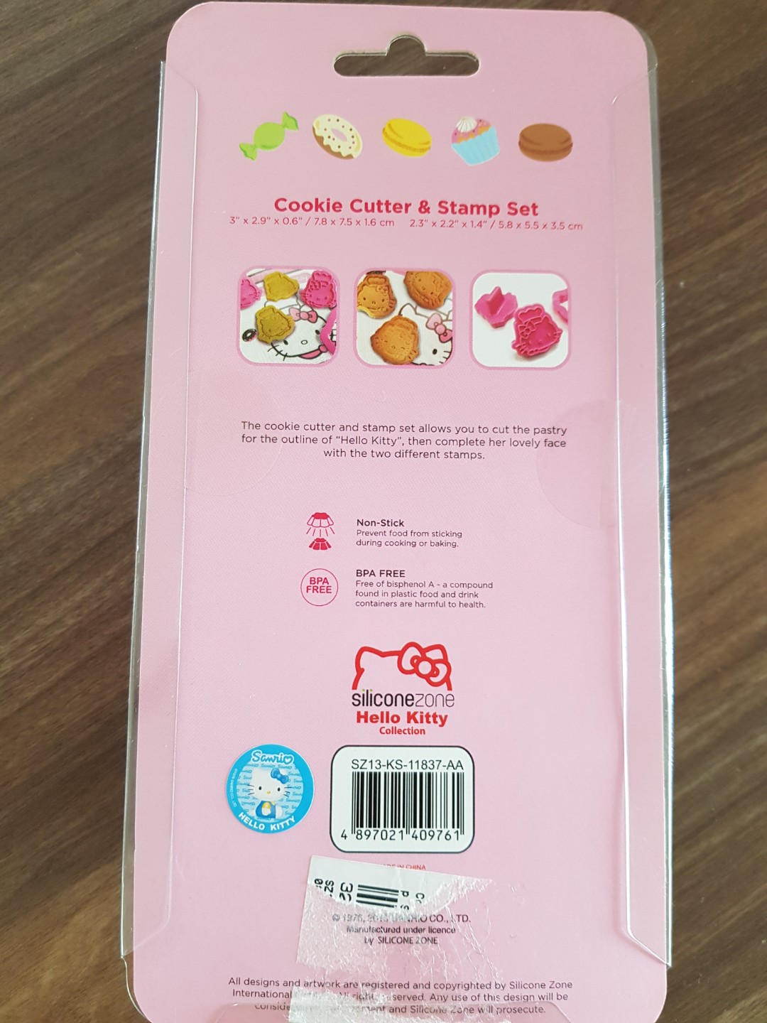 26ee2024d614 Hello Kitty Cookie Cutter brand new in box