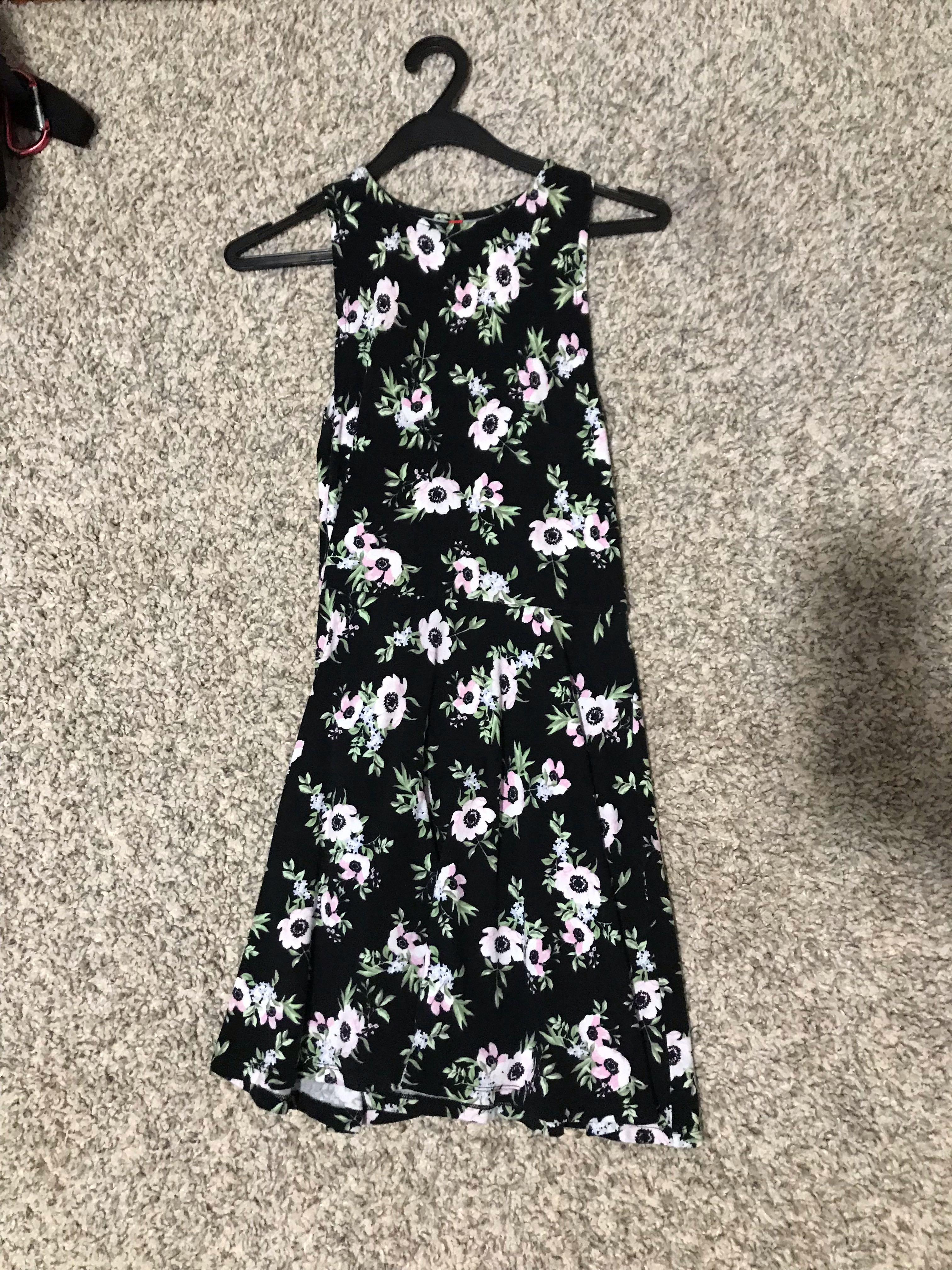 8725853fe2c H&M Divided Dress