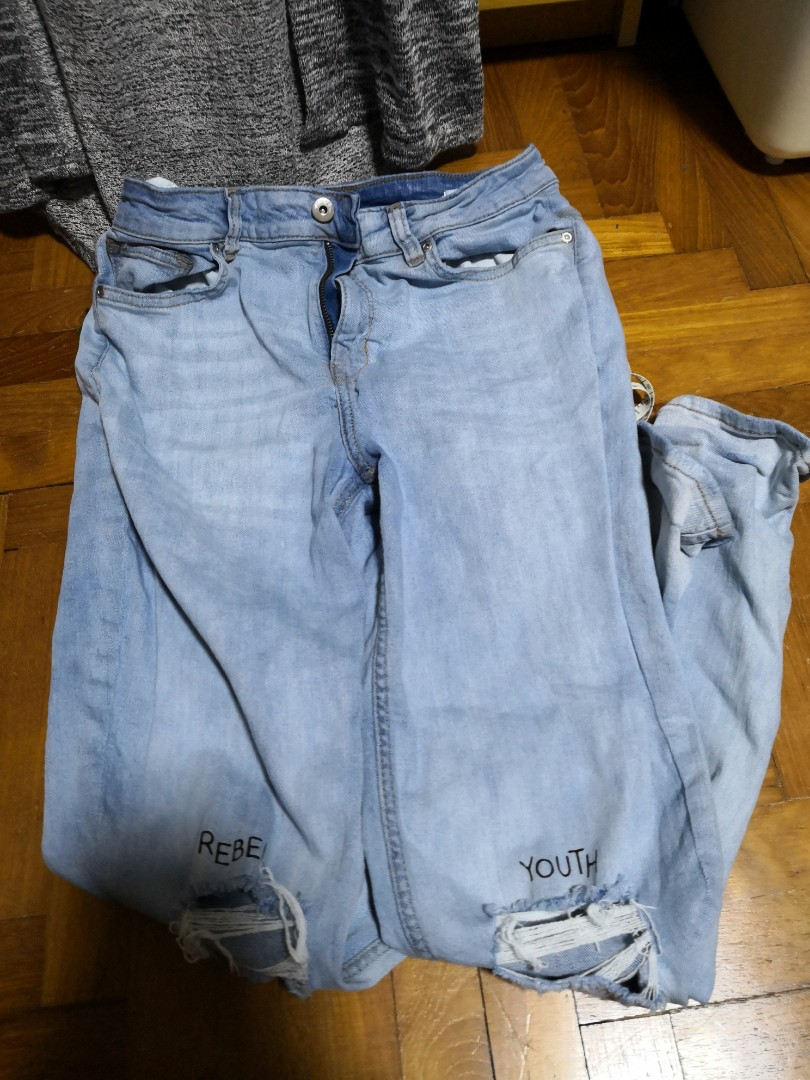 8e14d7bfd h&m ripped jeans, Women's Fashion, Clothes, Pants, Jeans & Shorts on ...