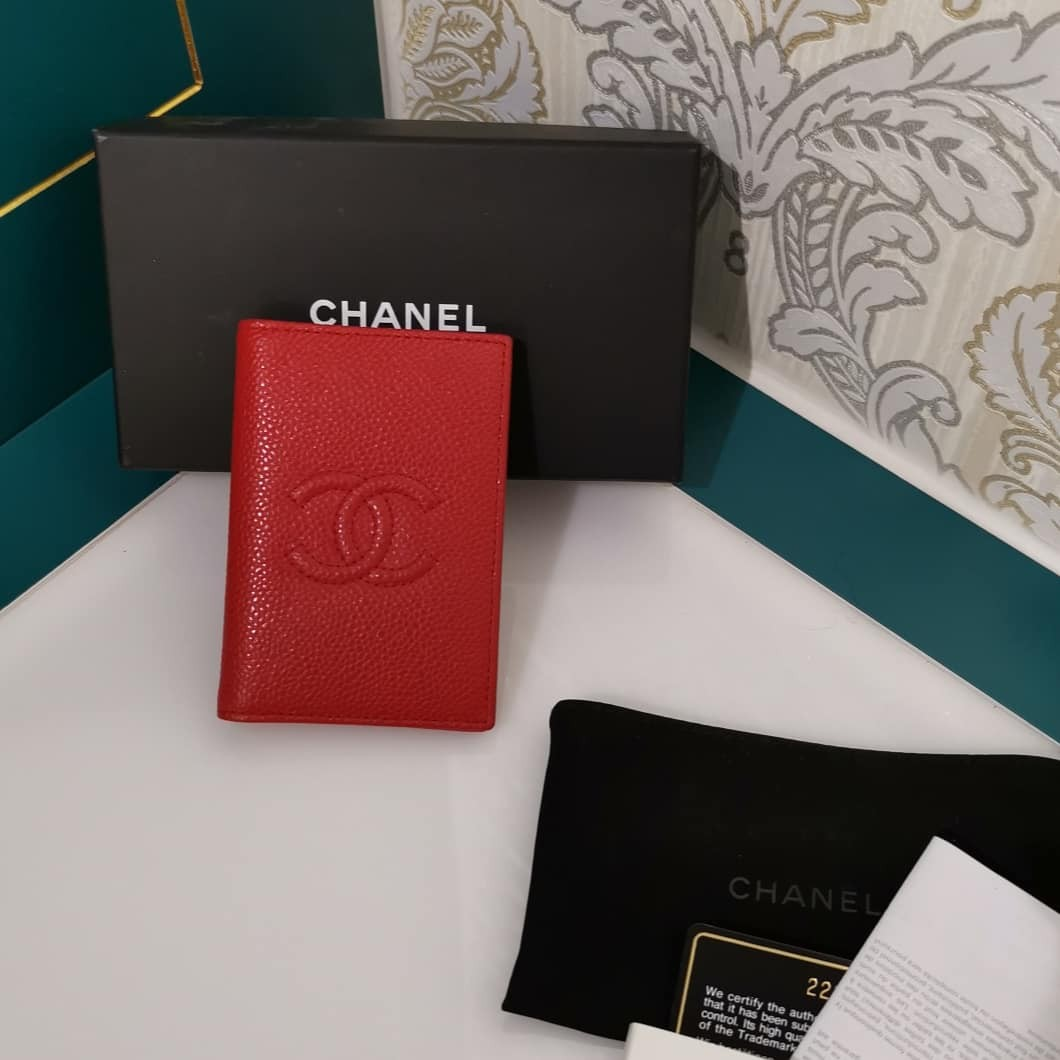 0b8a4efb1e2d66 LNIB Chanel Card Holder Caviar Red, Luxury, Bags & Wallets, Wallets ...