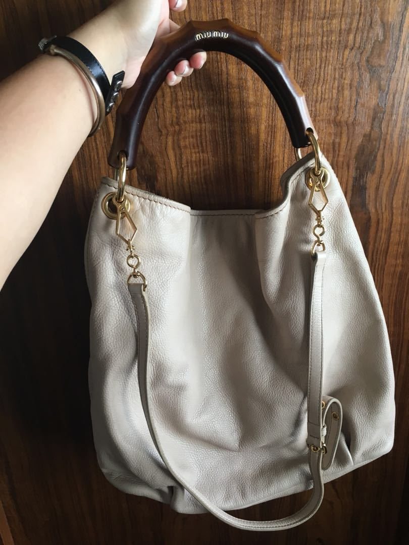 MIU MIU BEIGE LEATHER HOBO WOODEN HANDLE WITH SLING 90529e11db91c