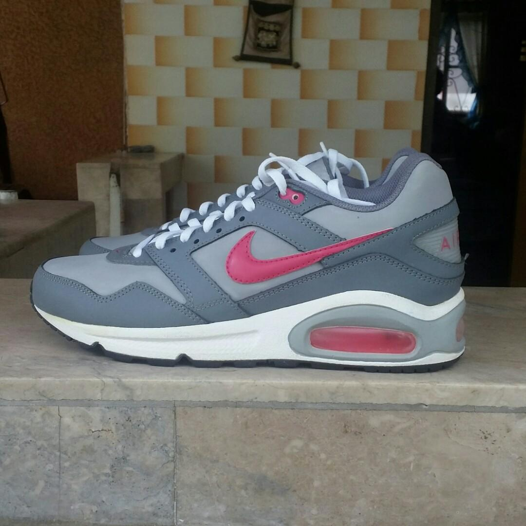 REPRICED Nike Air max Navigate on Carousell