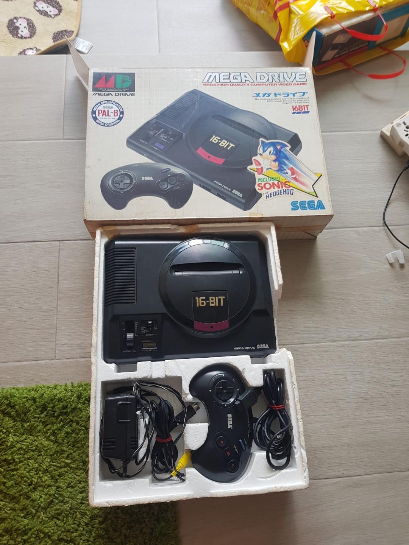 Sega 16 Bit mega drive console