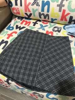 Pattern Skirt (短裙)