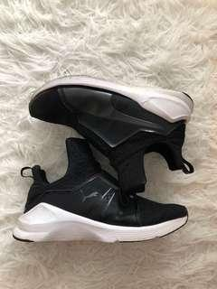 Puma FIERCE CORE high top Sneakers, Size 6.5