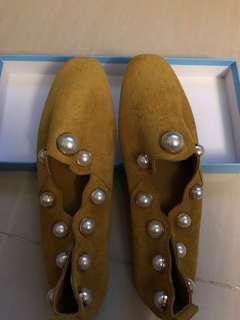 芥辣黃絨面珍珠鞋