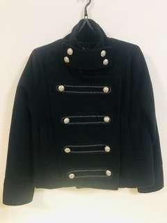 🚚 黑色帥氣厚棉金屬釦外套