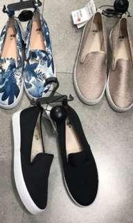 Sepatu hnm