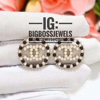 Gold White Black Pearl Round Earrings Ear Studs