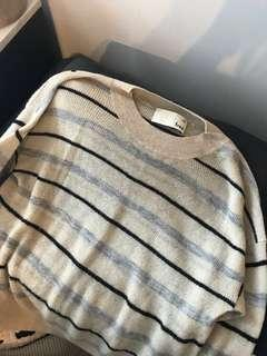 Aritzia Wilfred free sweater -XS - OBO