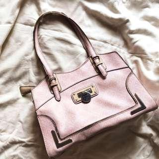 [Authentic Guess] Chic Tote Bag in Pale Rose Shade.