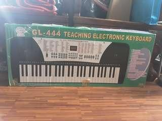 GL 444 Teaching Electronic Keyboard