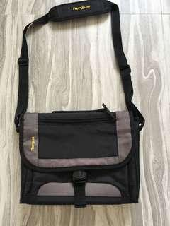 """Targus Bag for iPad and Tablets up to 10.2"""""""