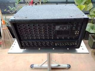 Power mixer Peavey XRD 680 PLUS Made In USA !