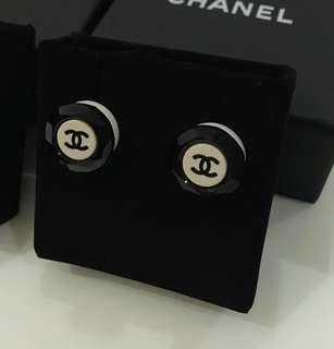 Preloved Vintage Authentic Chanel earrings