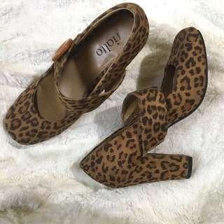 Rialto Pumps / Heels