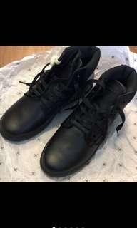 🚚 全新馬丁鞋