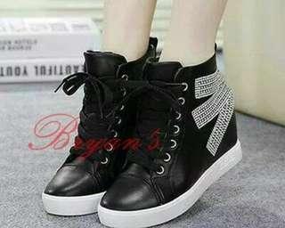 Boot maxi black white