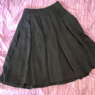 🍑 Uniqlo Skirt