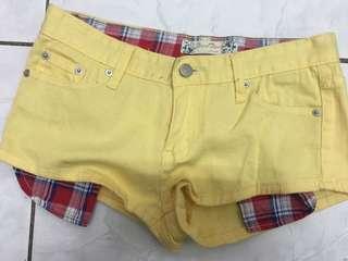 🚚 [路邊攤]黃色牛仔小短褲