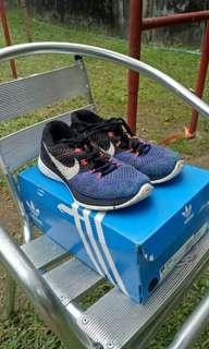Nike flynit lunar 3 (100% authentic)