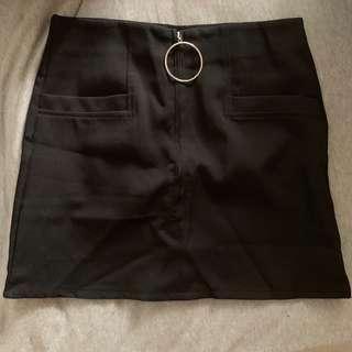 🚚 黑色A字短裙